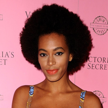 Solange Knowles et son rouge à lèvres orange