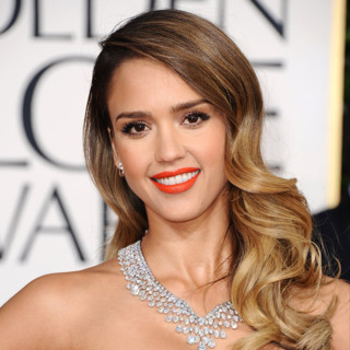 Jessica Alba et son one shoulder