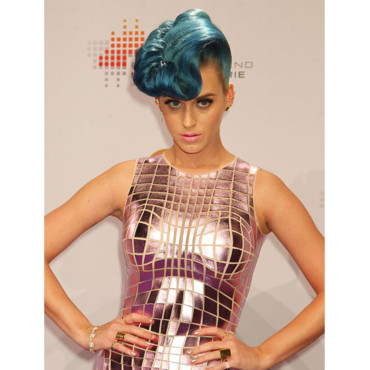 Katy Perry Banane bleue Echo Music Awards à Berlin mars 2012