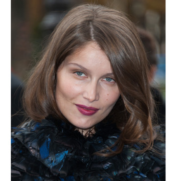 Le beauty look romantique de Laetitia Casta