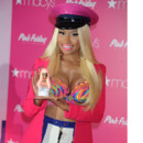 Nicki Minaj chez Marcy&#039;s, New York, le 24 septembre 2012  l&#039;occasion de la sortie de son parfum Pink Friday