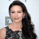 Look beauté du jour : Catherine Zeta-Jones captivante à Los Angeles