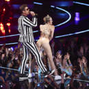 Miley Cyrus et Robin Thicke aux MTV Video Music Awards en août 2013