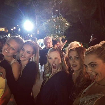 Cara Delevingne, Toni Garrn, Rosie Huntington Whiteley, Anne Vyalitsyna et Riley Keough à Cannes