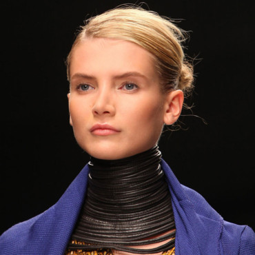 Fashion Week : Chignon écuyère