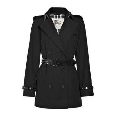 Trench Burberry clouté 1295 euros
