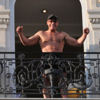 Photo : Jean-Claude Van Damme torse nu