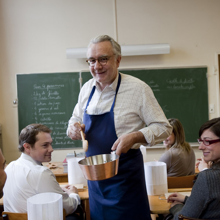 le grand chef alain ducasse ouvre une cole de cuisine paris cuisine. Black Bedroom Furniture Sets. Home Design Ideas