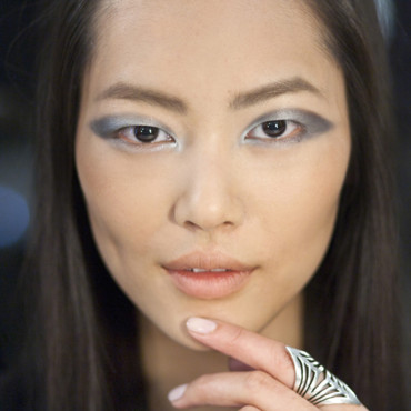 Maquillage Estée Lauder par Tom Pecheux : top model Liu Wen