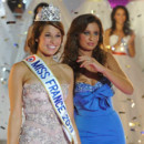 Miss France 2011 Laury Thilleman avec Miss France 2010 Malika Ménard