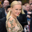 Malin Akerman et sa queue de cheval à la première de Rock of Ages à Londres