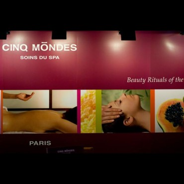 Salon de la beauté Beyond Beauty : le stand Cinq Mondes