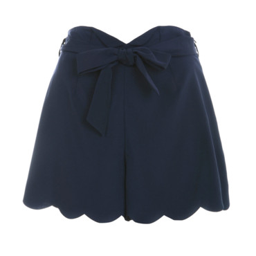 Short bleu marine à bordures festonnées Miss Selfridge 37,45e
