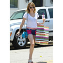 Emma Roberts et son short tri-color