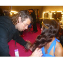 Delphine Wespiser Miss France 2012 se fait coiffer par le coiffeur William