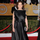 Sigourney Weaver portait sa robe à l'envers aux SAG Awards !