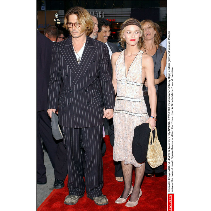 johnny depp et vanessa paradis une rencontre divine johnny depp vanessa paradis en 2003. Black Bedroom Furniture Sets. Home Design Ideas