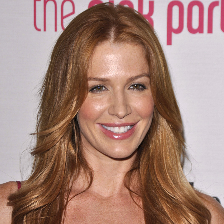 brunes blondes rousses la vraie couleur de cheveux des stars poppy montgomery entre. Black Bedroom Furniture Sets. Home Design Ideas