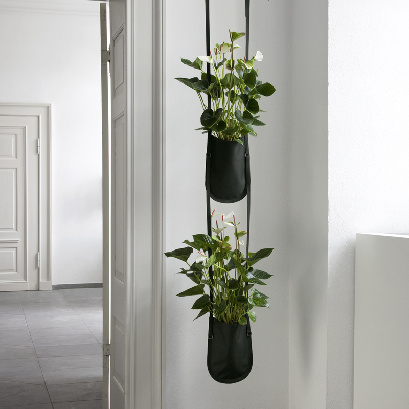 20 jardini res design pour d corer sa terrasse ou son jardin jardini re suspendue plant bag for Deco terrasse design