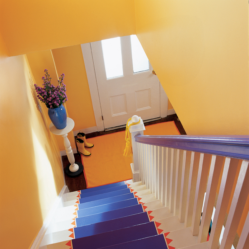 peinture les 50 couleurs vives la mode en 2012 un escalier color d co. Black Bedroom Furniture Sets. Home Design Ideas