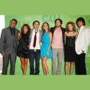 people : Tristan Wilds, Shenae Grimes, Dustin Milligan, Jessica Stroup, Ryan Eggold, AnnaLynne McCord, and Michael Stegar
