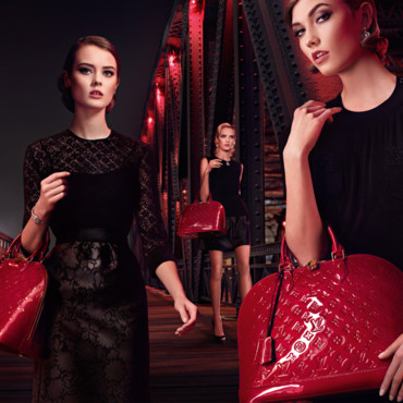 "Visuel de la campagne publicitaire Louis Vuitton ""Chic on the bridge"""