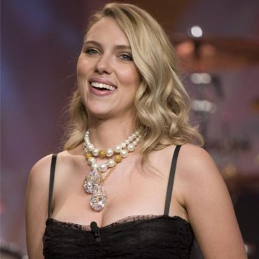people : Scarlett Johansson