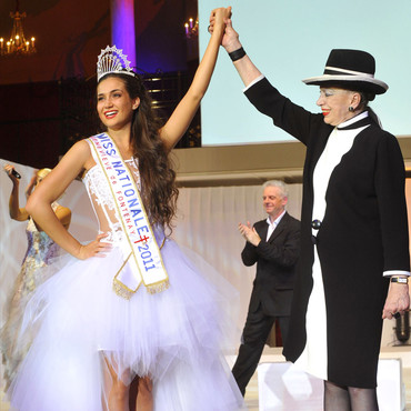 Miss Nationale Barbara Morel avec Geneviève de Fontenay