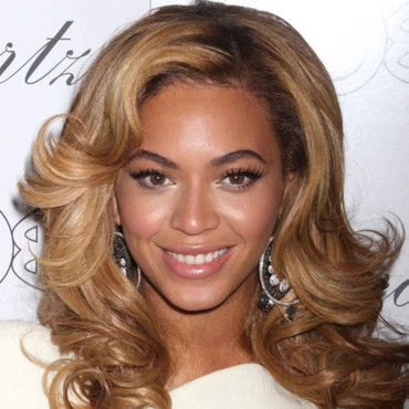 Beyoncé Knowles maquillage graphique