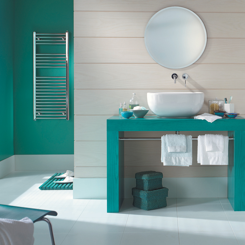 peinture les 50 couleurs vives la mode en 2012 une salle de bain turquoise d co. Black Bedroom Furniture Sets. Home Design Ideas