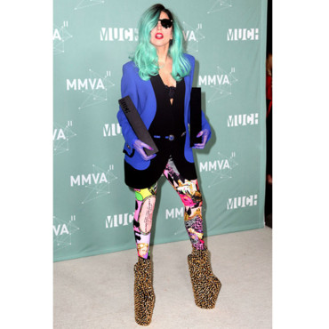 lady gaga en Vintage Versace au Much Music Video Awards top flop semaine (20 juin 2011)
