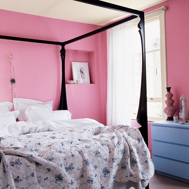 peinture les 50 couleurs vives la mode en 2012 une chambre rose drag e d co. Black Bedroom Furniture Sets. Home Design Ideas