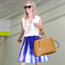 Reese Witherspoon et sa jupe tie and dye à Los Angeles le 23 juillet 2013