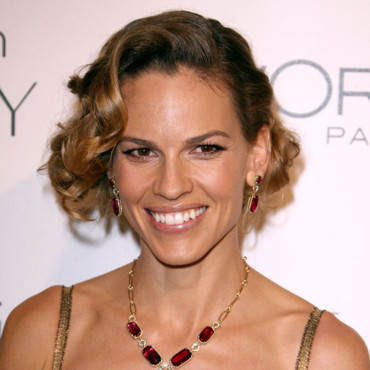 Hilary Swank et sa coiffure crante