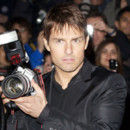 Tom Cruise joue au paparazzi