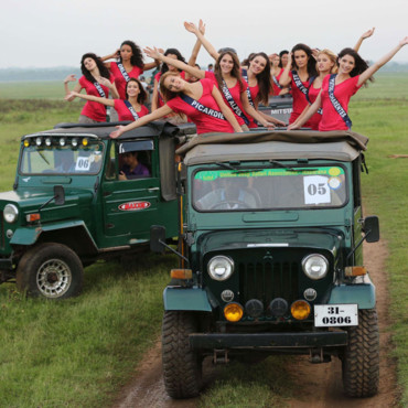 Les Miss France 2014 en safari