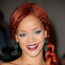 Rihanna maquillage graphique