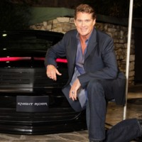 Photo : David Hasselhoff davant la nouvelle Kit