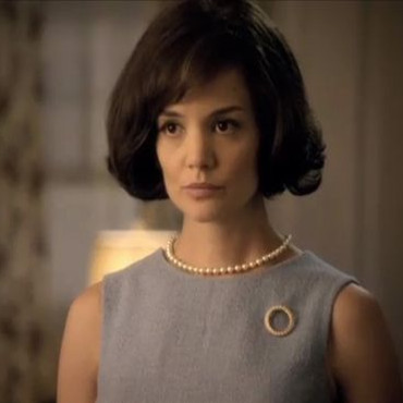"Katie Holmes est Jackie Kennedy dans ""The Kennedys"""