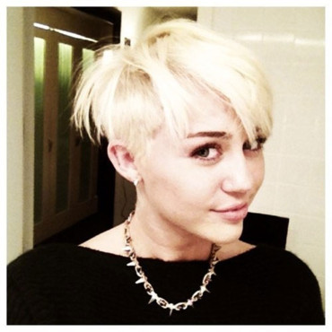 Miley Cyrus coupe courte 13 aot 2012 publie sur son compte Twitter