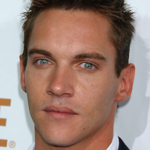 People : Jonathan Rhys Meyers