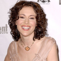 Photo : Alyssa Milano version bouclée