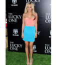 Ashley Tisdale en mode pastel à la première de The Lucky One