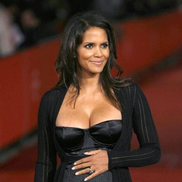 People : Halle Berry
