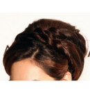 Kelly Brook chignon