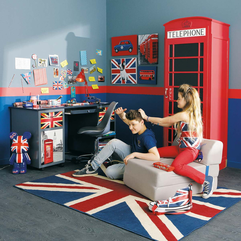 chambre d 39 ado coussin tapis et lampe style london pour une d co so british direction. Black Bedroom Furniture Sets. Home Design Ideas