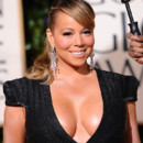 Mariah Carey : A moiti nue sur une moto pour Beautiful