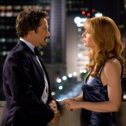 people : Robert Downey Jr et Gwyneth Paltrow dans Iron Man