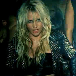 Britney Spears sexy dans son clip Till the world ends