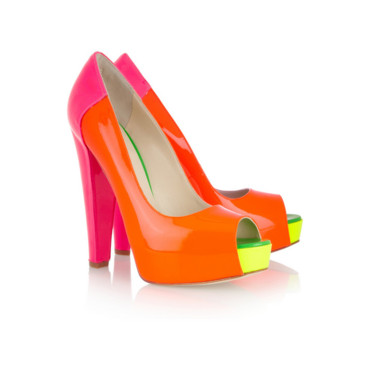 Escarpins color block Brian Atwood 650 euros